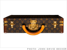 louis_vuitton_suitcase.03.jpg