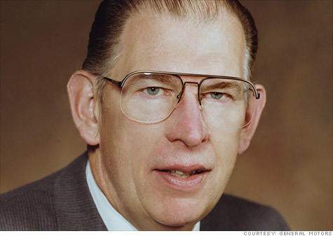 Former GM CEO Robert C. Stempel died at 77 on Tuesday.
